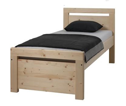 Postel z masivu, vysoká postel Gazel