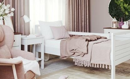 Vysoká postel, postel pro seniory v bílém provedení Gazel